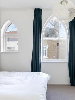 Fenêtres gothiques : pour une déco intérieur historique