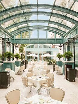 TOP 10 des plus beaux Hotels en verre parisiens