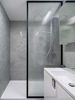 Une douche sur mesure pour sublimer votre salle de bain