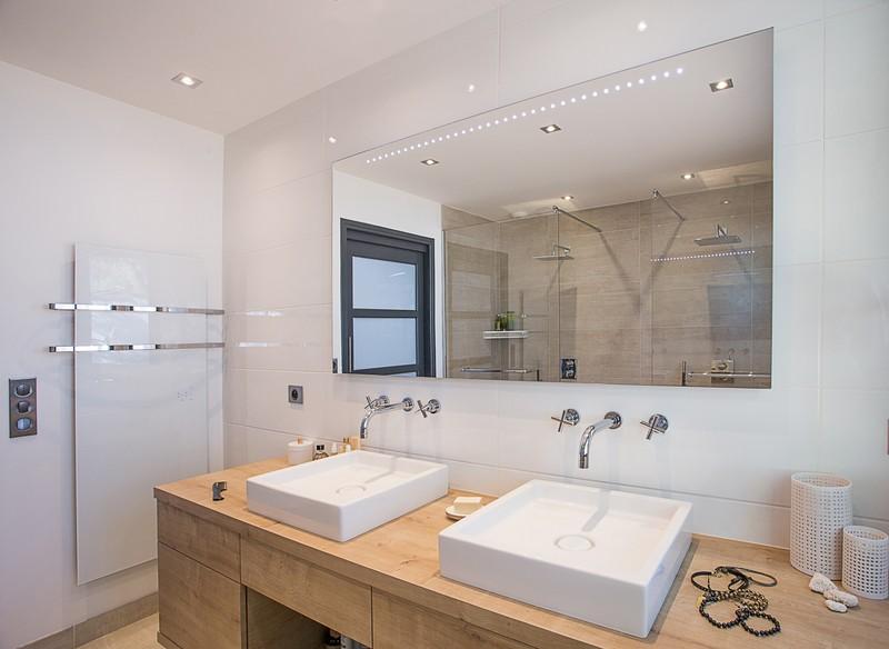 S che serviettes thermovit eden blanc for Vitre pour salle de bain