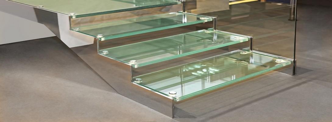 dalle de sol et marches d 39 escalier en verre sur mesure. Black Bedroom Furniture Sets. Home Design Ideas