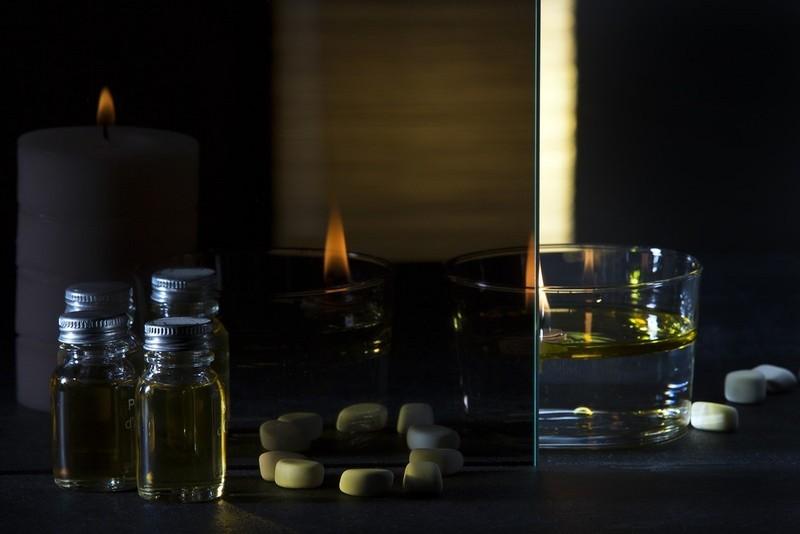 miroir espion sans tain sur mesure livraison dans toute la france. Black Bedroom Furniture Sets. Home Design Ideas