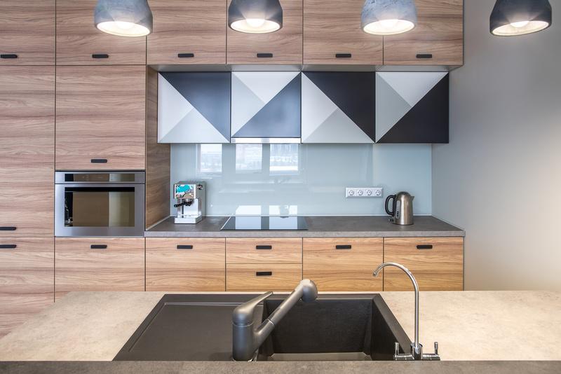 cr dence verre sur mesure. Black Bedroom Furniture Sets. Home Design Ideas