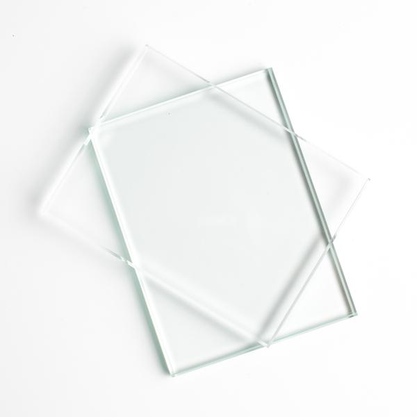 verre pour l 39 encadrement verre sur mesure livraison dans toute la france. Black Bedroom Furniture Sets. Home Design Ideas
