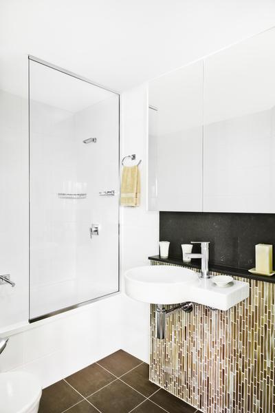 profil pour pare douche en verre. Black Bedroom Furniture Sets. Home Design Ideas