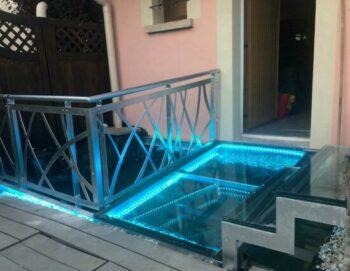 Dalle de sol en verre transparent chez Franco (69)