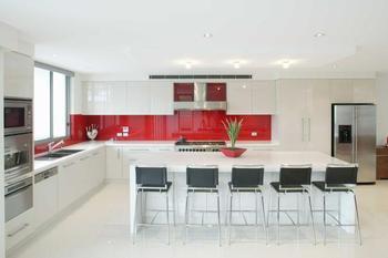 Cr dence de cuisine en verre sur mesure - Credence pour cuisine rouge ...