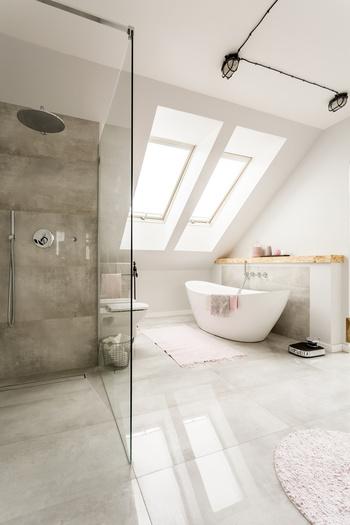 verre pour paroi de douche fabriqu sur mesure livraison dans toute la france. Black Bedroom Furniture Sets. Home Design Ideas