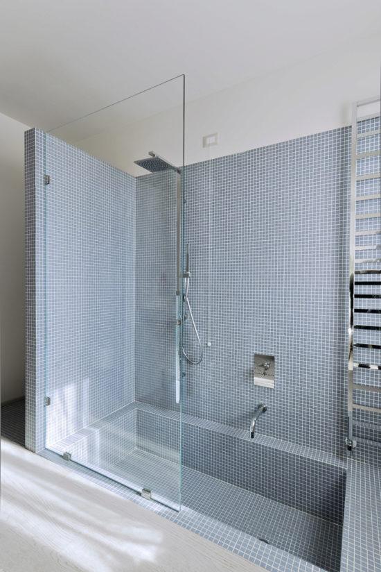 Pince pour paroi de douche en verre