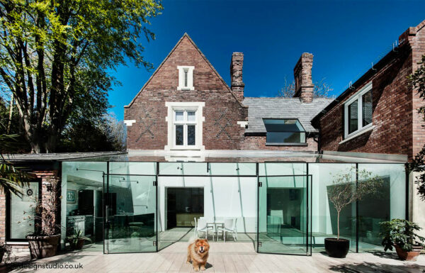 The Glass House : la maison anglaise innovante qui allie authenticité et modernité